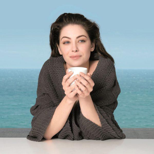 Thalgo-Lady-with-tea